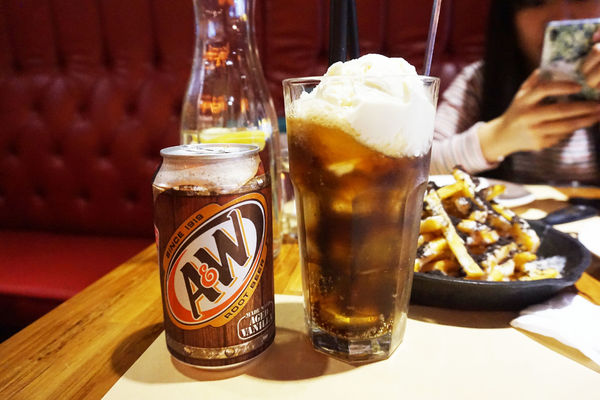 漂浮麥根沙士 $150 A&W Root Beer Float