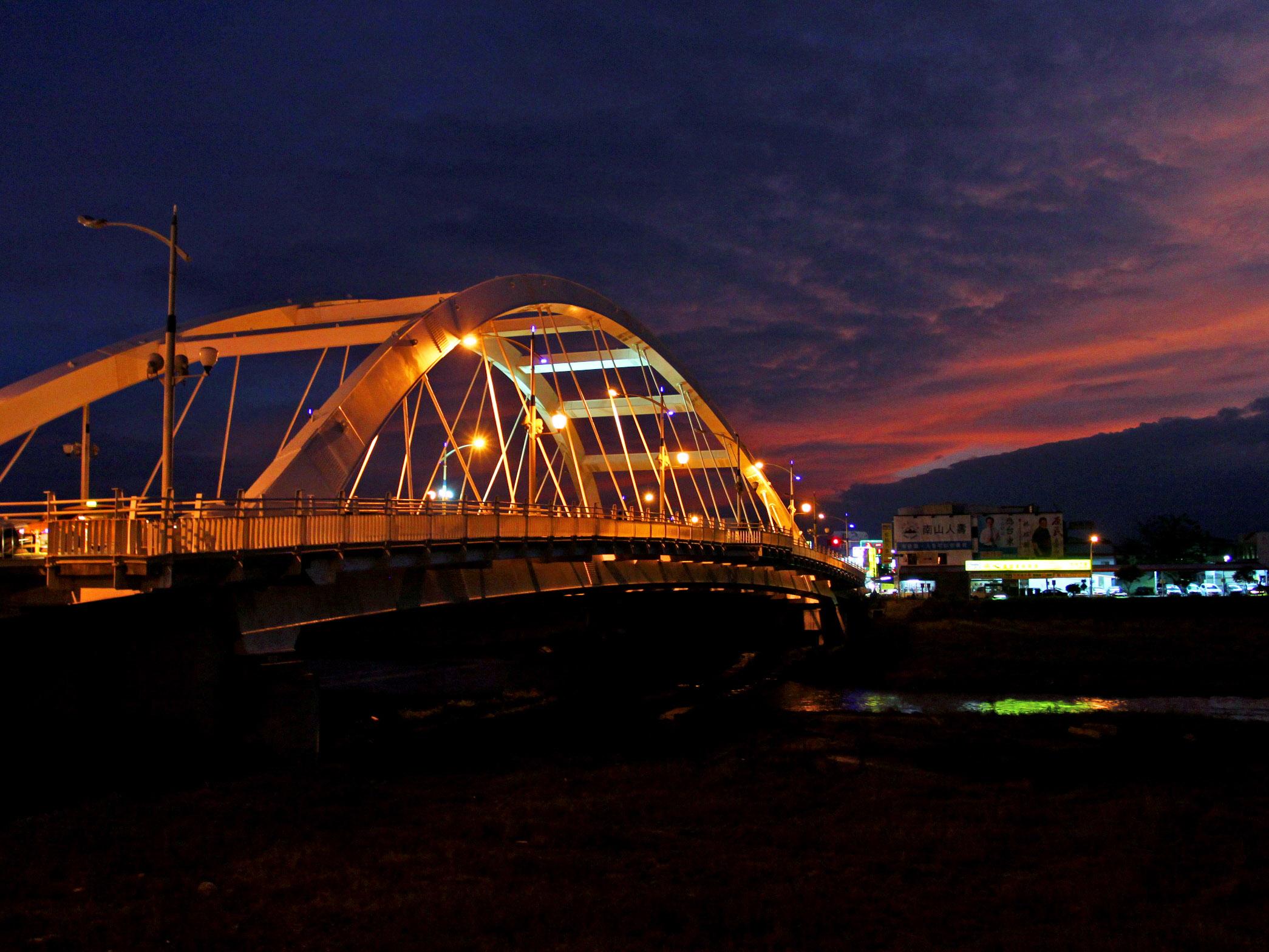台東豐里橋 × 太平溪人工溼地:台東第一座景觀橋梁與市民絕佳運動休憩場所