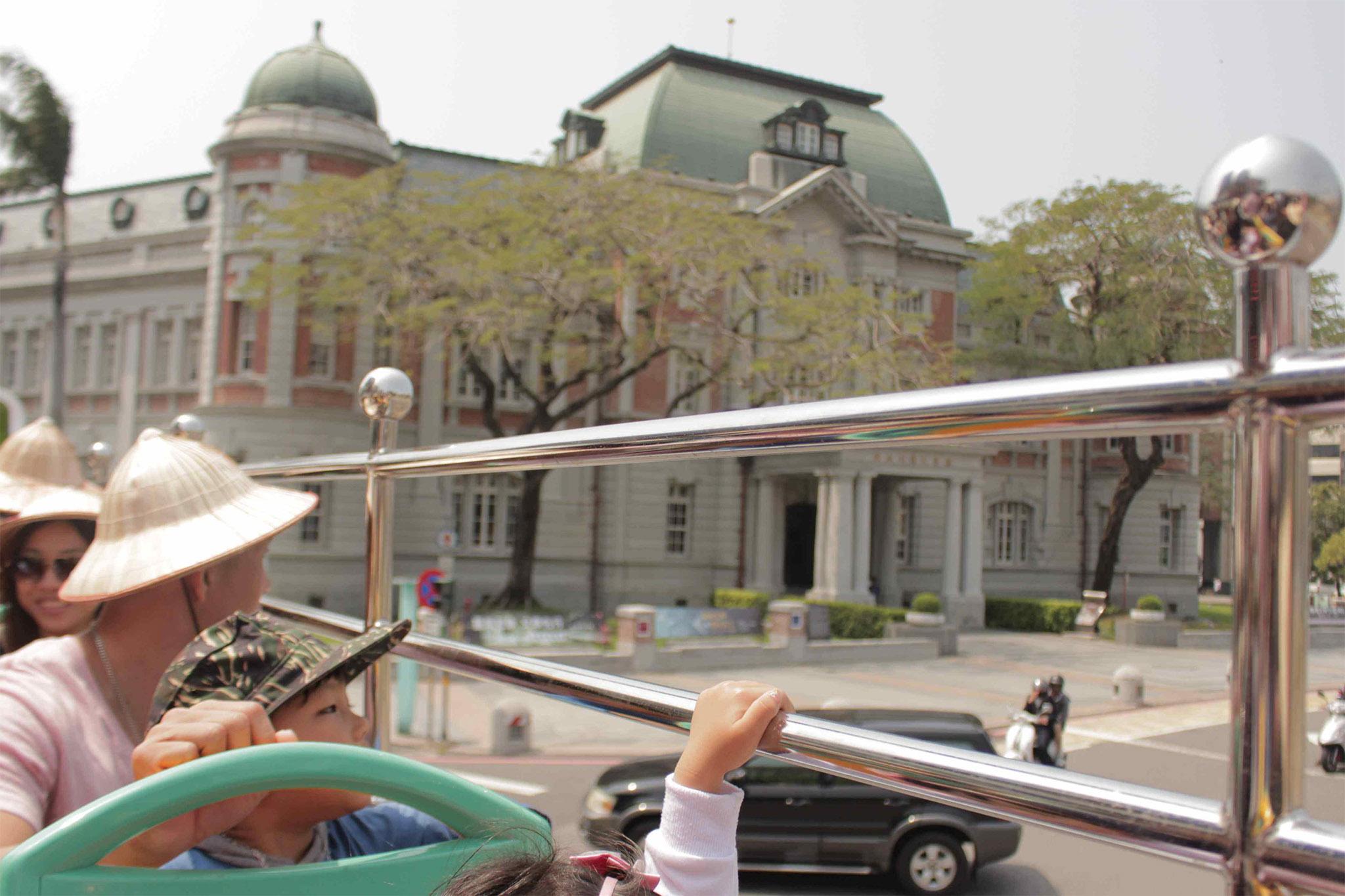 坐「雙層巴士」遊覽府城台南吧!路線圖、景點介紹