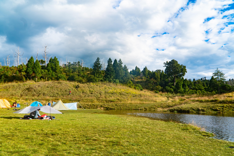我們一起登山去!探訪宜蘭山上散落的珍珠,晴雨皆美的「加羅湖」